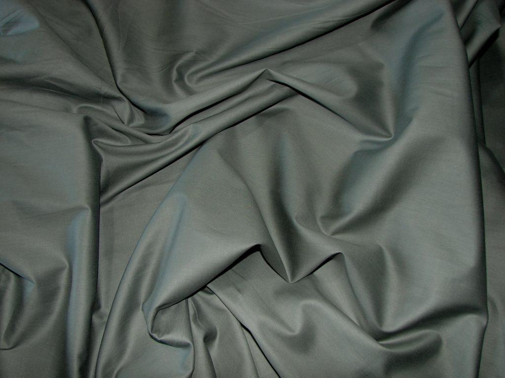 Постельное белье серое однотонное сатин
