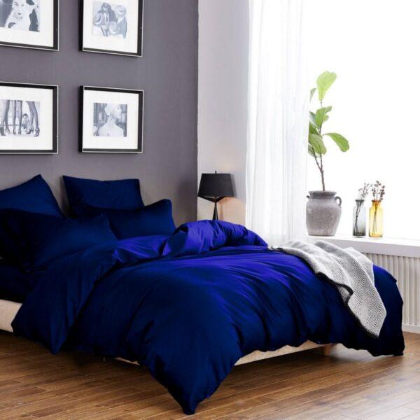 Однотонное постельное белье темно синего цвета