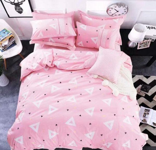Постельное белье треугольники на розовом фото
